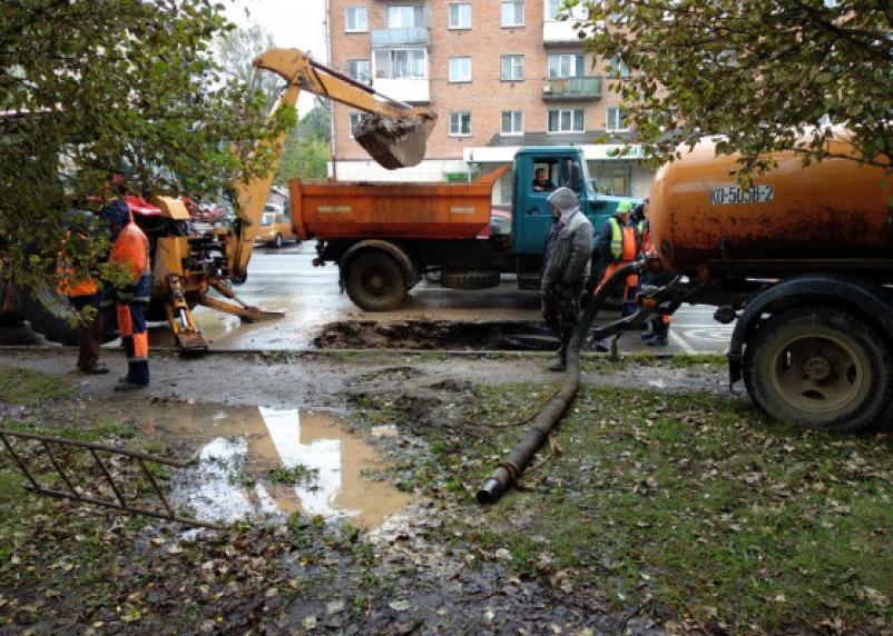 Ремонтные работы на Николаева спровоцировали пробку