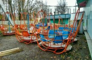 Демонтаж колеса обозрения в Смоленске «тормозит» плохая погода