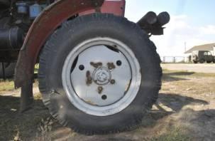 В Смоленской области трактор чуть не расплющил девочку