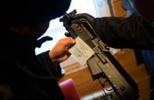 Смолянин чуть не пристрелил из винтовки женщину