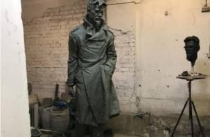 Эдуарду Лимонову ваяют прижизненный памятник