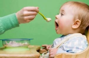 В Роскачестве рассказали, как правильно выбрать детскую смесь