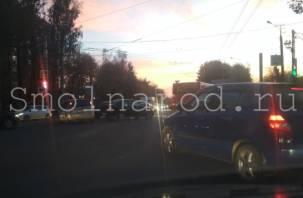 В Смоленске на Шевченко ДТП спровоцировало гигантскую пробку