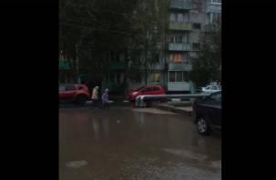 Рославльчане сняли на видео потоп после благоустройства дворов