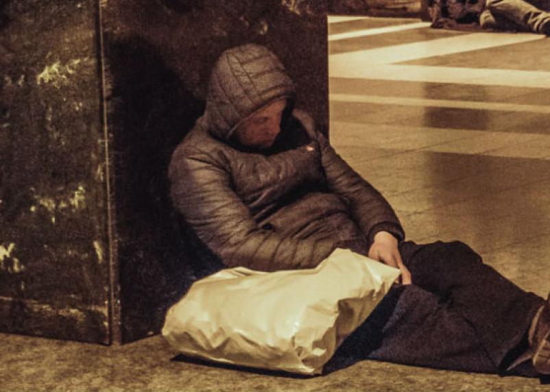 В Смоленске на вокзале был задержан воронежский бомж-наркоман
