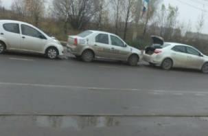 В Смоленске произошла тройная авария