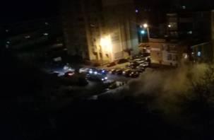 Поздно вечером в Смоленске сгорел автомобиль