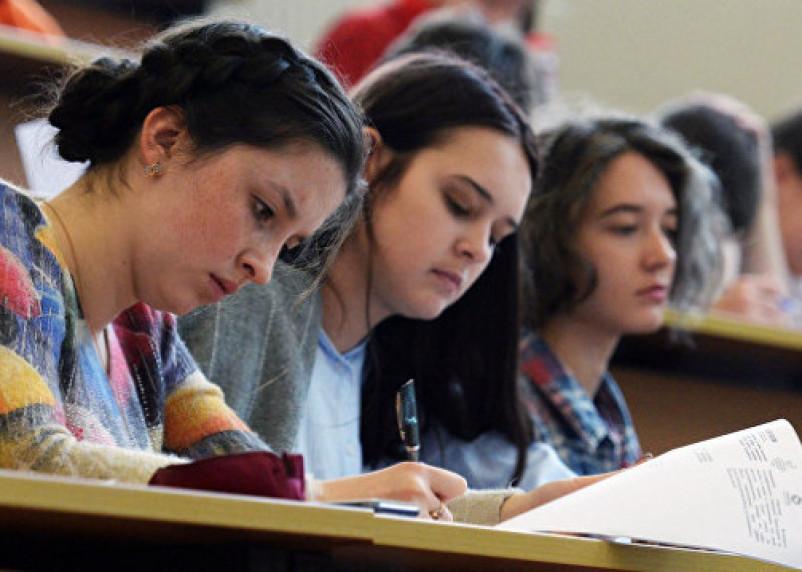 Университеты предупреждают о большом конкурсе на поступление