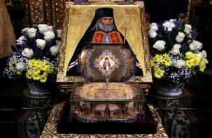 В Смоленск привезли мощи святителя Луки Крымского
