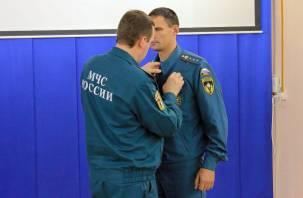 Медаль нашла героя. Смоленского пожарного наградили за спасение 13 человек