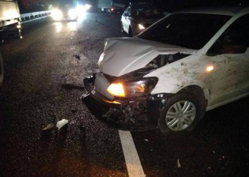 «Пассажир в больнице». На трасе М1 иномарка улетела в отбойник