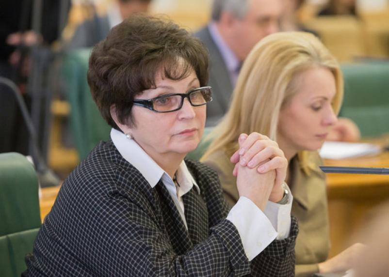 Очередная чиновница пристыдила недовольных питанием на 3500 рублей «ужасами войны»