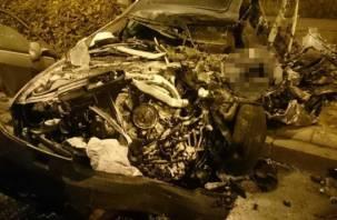 В Смоленске разыскивают свидетелей ДТП, в котором пьяный водитель на «Ауди» протаранил электроподстанцию