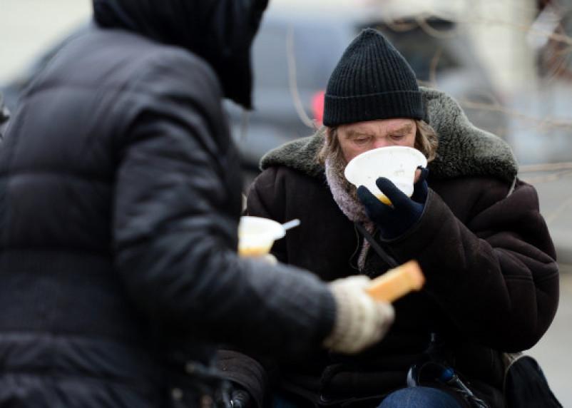В Смоленске принимают продуктовые пожертвования для бездомных