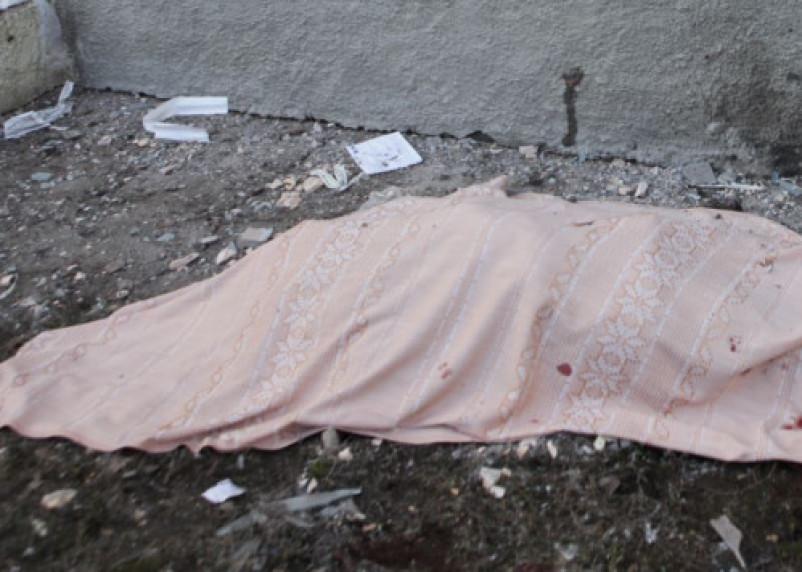 В Сафонове в многоэтажке нашли тело девочки