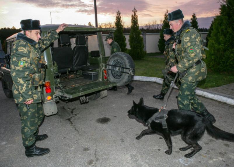 С помощью беспилотника смоленские пограничники «вычислили» нарушителей госграницы