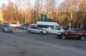 В Смоленске произошла авария с маршруткой