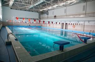 В мэрии Смоленска обсудили проблему с бассейном «Дельфин»
