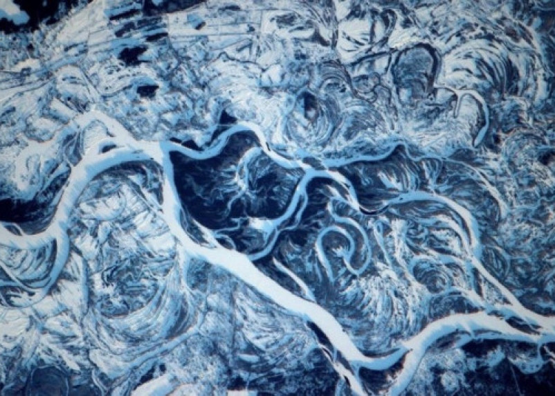 Появилось фантастическое фото реки Днепр из космоса