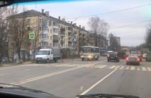 В Смоленске опасный пешеходный переход оборудован светофором