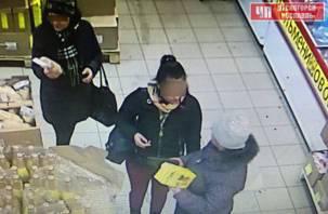 Две жительницы Десногорска украли товары в магазине и попали на камеру