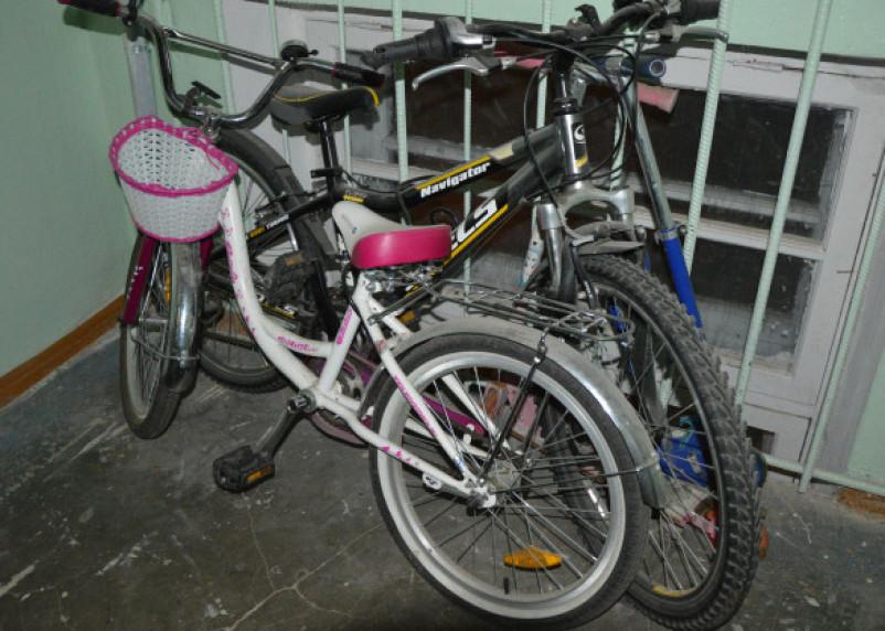 Смолянин втянул подростка в кражу велосипедов из подъездов домов