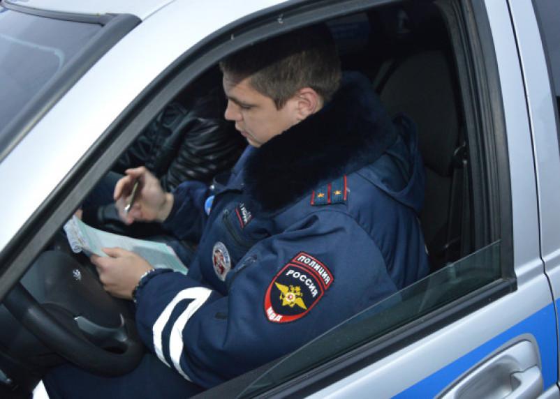 В Смоленском районе погоня за учеником автошколы закончилась аварией с машиной ГИБДД