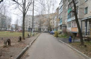 В Дорогобужском районе благоустроили некоторые дворы спустя рукава