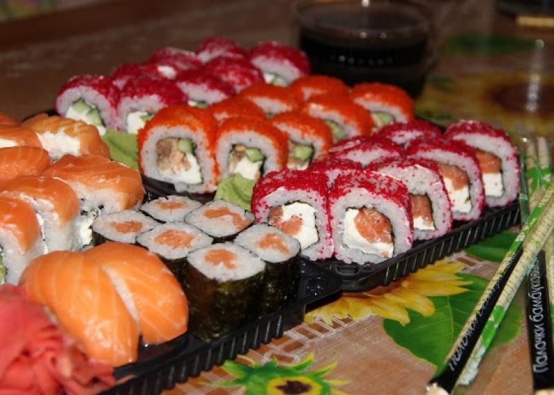 В Смоленске люди отравились суши из известной сети японской кухни