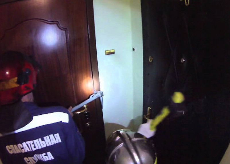 В Гагарине пенсионерка попала в капкан четырёх стен