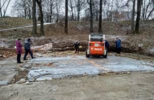 В Смоленске снесли кафе в Лопатинским саду