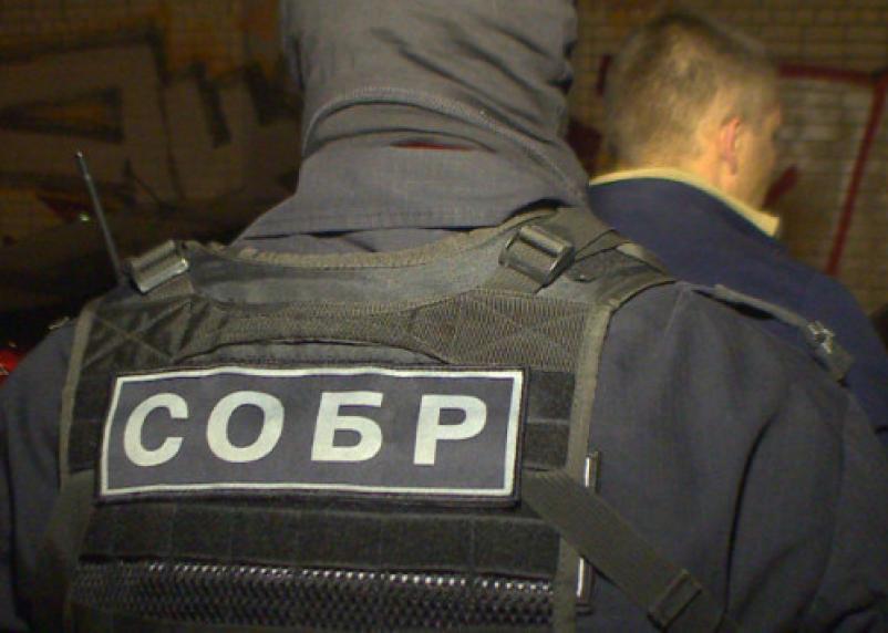 Захватчик отделения банка в Москве требовал встречи с Бузовой
