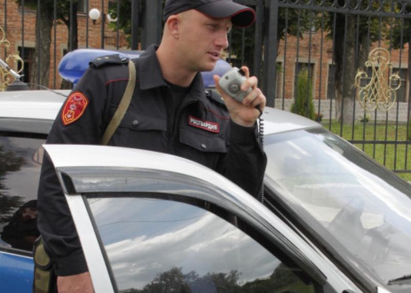 В Смоленской области гвардейцы задержали грабителей нескольких магазинов