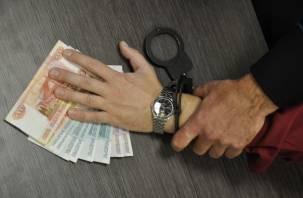 Смолянин незаконно взял на работу иностранцев и пытался дать взятку сотруднику полиции