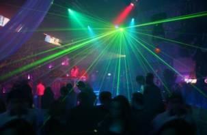 Лишился куртки: в Смоленске участились случаи краж в ночных клубах