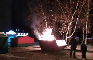 В центре Смоленска полыхала ярмарка