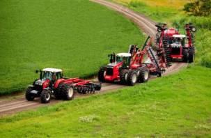 Стало известно, сколько тракторов, комбайнов и прочей техники купили смоленские крестьяне в этом году