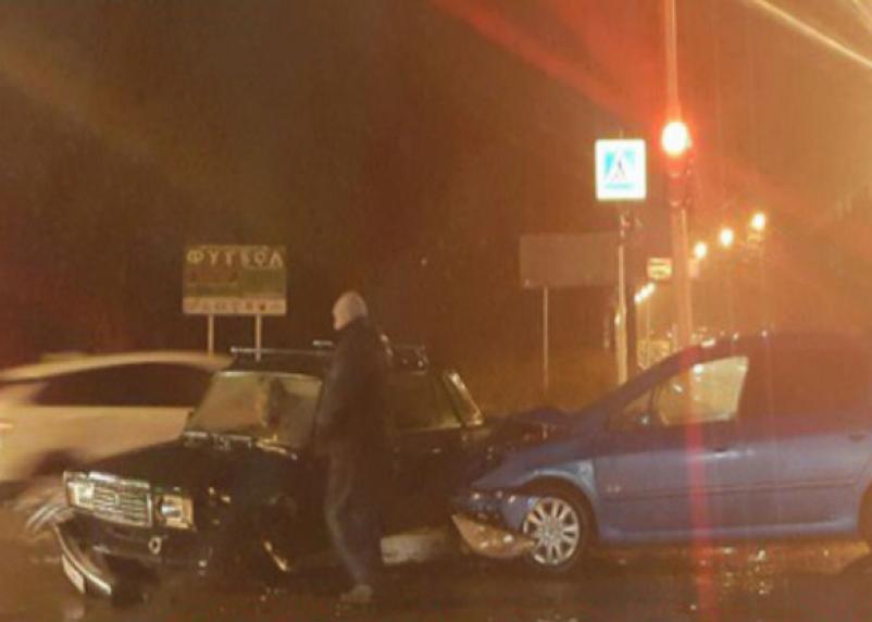 «Трамваи встали». Утром в Смоленске произошла жесткая авария