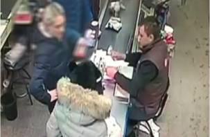 В Смоленске выявлено массовое распространение фальшивок по сетевым магазинам