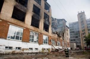 Развалинами «Шарма» и «Камелота» удовлетворены? Смолян и ярцевчан возмущают руины зданий после пожаров