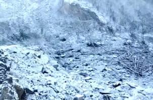 На Россию упал огромный метеорит, который перекрыл реку