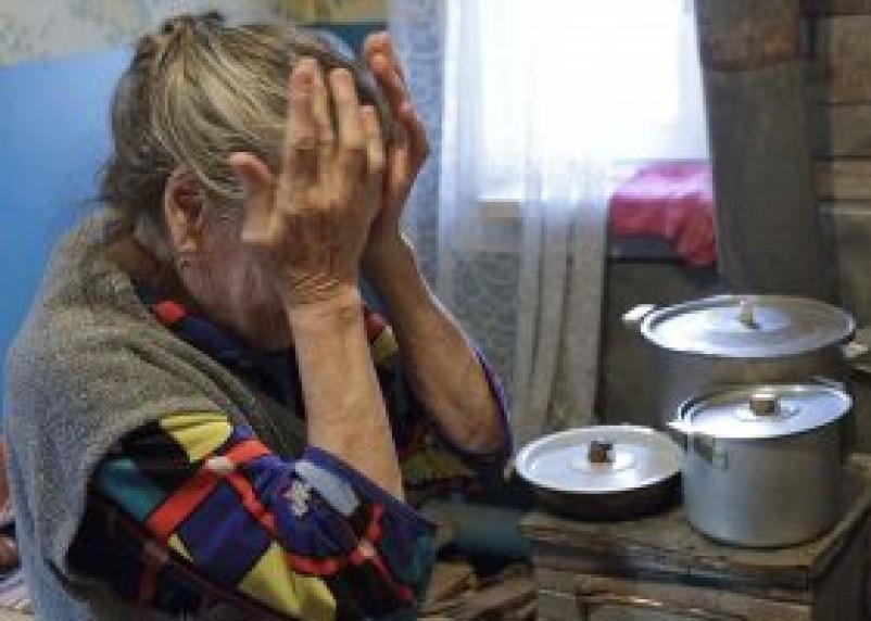 В Смоленской области разыскивают двух женщин, которые ограбили 84-летнюю бабушку