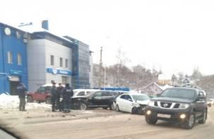 На улице Свердлова в Смоленске произошла массовая авария