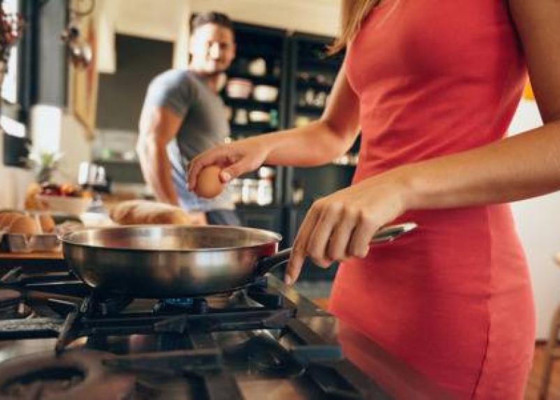 Ученые доказали, что антипригарная посуда губит мужское здоровье