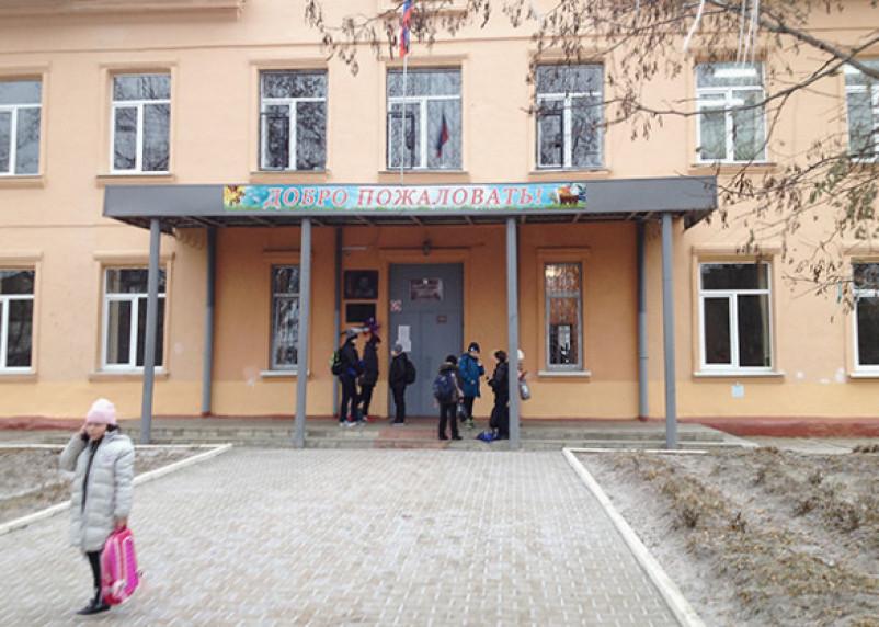 Директрису увезли с инсультом в больницу Смоленска. Женщина не выдержала второй трагедии в сафоновской школе