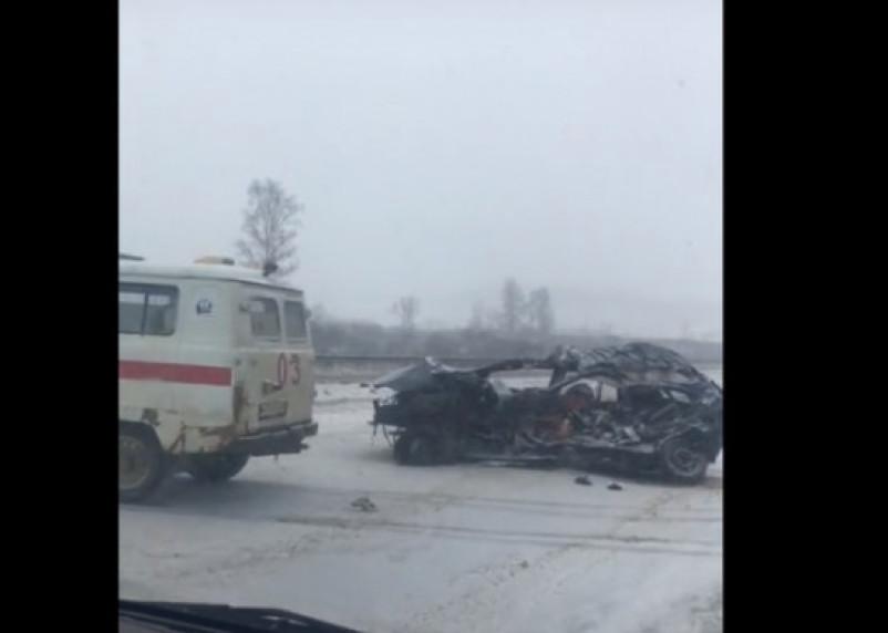 В Смоленской области в страшном ДТП с фурой погибла водитель легковушки