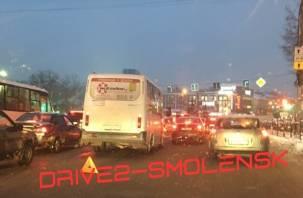 ДТП в центре Смоленска спровоцировало пробку