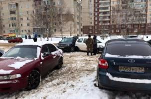 Какой пассаж! В Рославле автоледи угрожает безопасности водителей