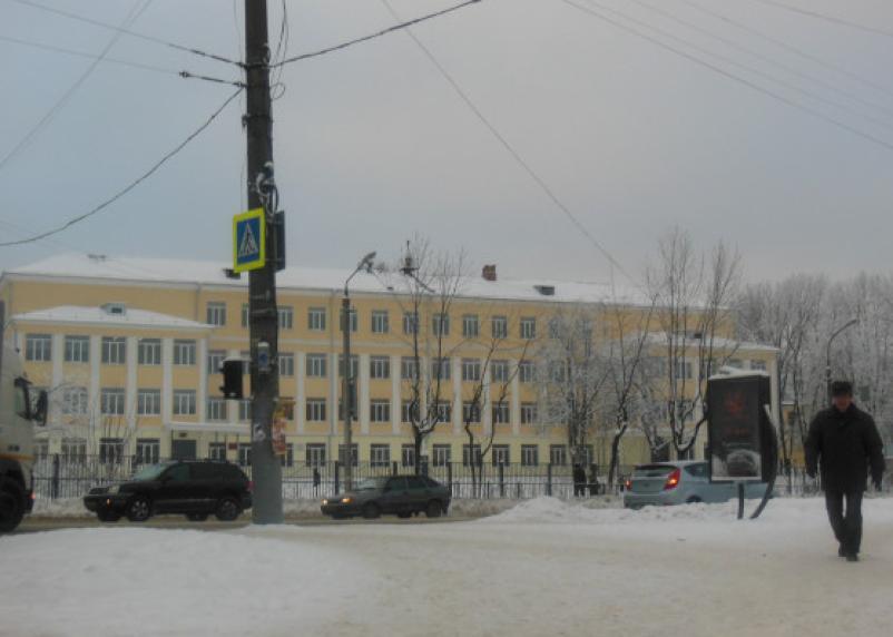 Средняя зарплата учителя в Москве достигла 107 600 рублей. А что в Смоленске?