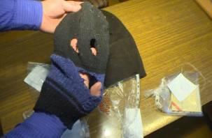 Вооруженное ограбление в смоленском магазине попало на видео